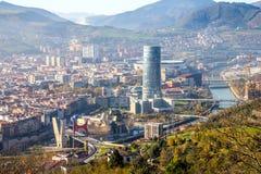 从小山的顶端被采取的毕尔巴鄂市的看法 图库摄影