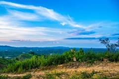 从小山的风景 免版税库存图片
