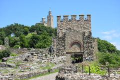 小山的Tsarevets堡垒 免版税库存图片