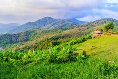 从小山酸碱度的大菩萨的美好的全景山景 库存照片