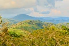 从小山酸碱度的大菩萨的美好的全景山景 图库摄影
