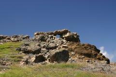 小山顶岩石结构 免版税库存图片