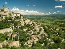 小山顶普罗旺斯城镇 库存图片
