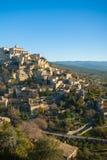 小山顶村庄在普罗旺斯 库存图片