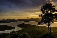 从小山顶的顶视图日落时间的 库存图片