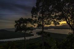从小山顶的顶视图日落时间的 免版税库存照片