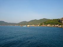 小山风景海海洋泰国 免版税库存照片