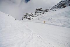 小山Bettaforca的滑雪倾斜 图库摄影