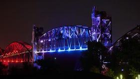 小岩城--岩石海岛桥梁夜 库存图片