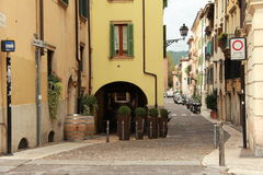 小巷在维罗纳 免版税库存图片