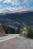 小心意外曲线的路 免版税图库摄影