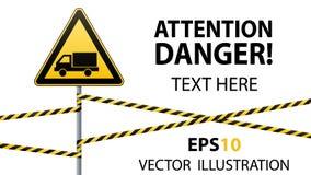 小心-危险警报信号安全 当心汽车 与一个黑图象的一个黄色三角 在杆的标志和 库存图片