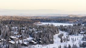 小拉普兰村庄,美好的冬天视图在芬兰,Ruka 库存照片