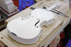 小提琴半成品陈列 免版税库存照片