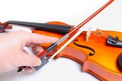 小提琴和手藏品弓 库存图片