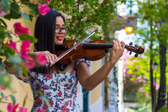 小提琴手微笑 库存照片