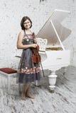 年轻小提琴手 库存图片