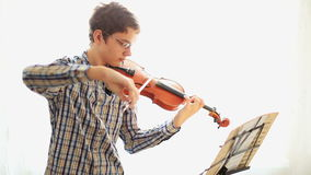 小提琴手 股票视频