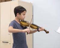 小提琴课 免版税库存照片