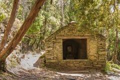 小教堂在Nonza附近的森林在盖帽Corse 库存照片