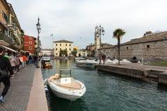 小旧港口在拉齐塞,加尔达湖,维罗纳的中心 图库摄影