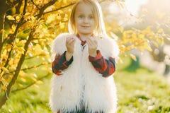 小时髦的女孩 免版税库存照片