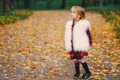 小时髦的女孩 免版税图库摄影