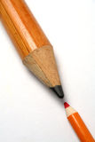 小更加极大的反对的铅笔 库存照片