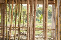 小楼房建筑的脚手架木头 图库摄影