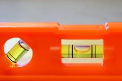 小橙色水平仪关闭 免版税图库摄影