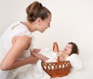 小母亲白色 免版税库存图片