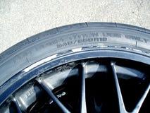 小汽车赛轮胎 库存图片