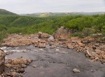 小河在山寒带草原 库存照片