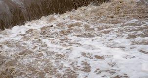 水小河在洪水以后的 影视素材