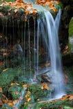 小河瀑布白色 库存图片