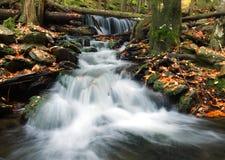 小河瀑布白色 图库摄影