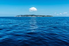 小海岛在爱奥尼亚海 免版税库存图片