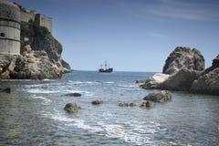 从小海湾的海盗船 库存图片