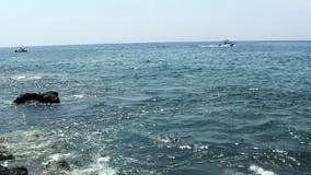 小渔船和汽艇大岛夏威夷 股票视频