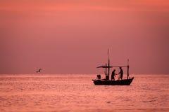 小渔船在海 免版税图库摄影