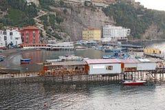 小游艇船坞口岸重创在索伦托,意大利 免版税库存照片