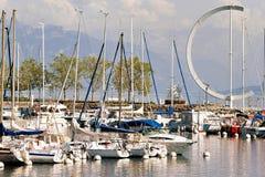 小游艇船坞和游艇在莱芒湖在洛桑在瑞士 库存图片