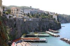 小游艇船坞圣弗朗切斯科索伦托意大利 库存照片