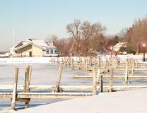 小游艇船坞在冬天 库存照片