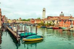 小游艇船坞在威尼斯,意大利 免版税库存图片