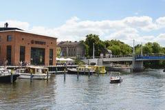 小游艇船坞在市哈弗尔河畔勃兰登堡(勃兰登堡,德国 库存照片