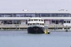 小游艇船坞在阿雷西费 免版税库存图片