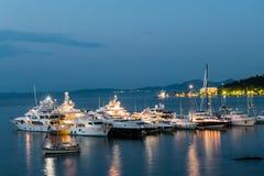 小游艇船坞在首都科孚岛 图库摄影