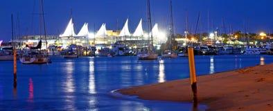 小游艇船坞海市蜃楼购物中心英属黄金海岸昆士兰澳大利亚 免版税库存图片