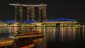 小游艇船坞海湾沙子在新加坡在晚上 Timelapse行动从左到右全景 影视素材